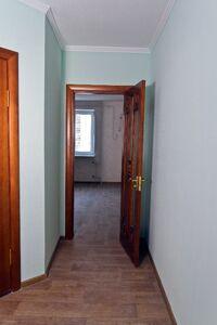 Продажа трехкомнатной квартиры в Черкассах, на бул. Шевченко район Центр фото 2