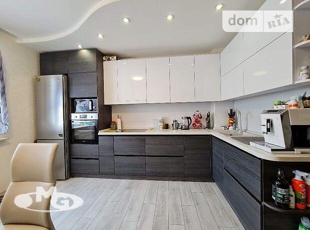 Продажа трехкомнатной квартиры в Днепре, на ул. Тополиная 7а район Тополь-2 фото 1