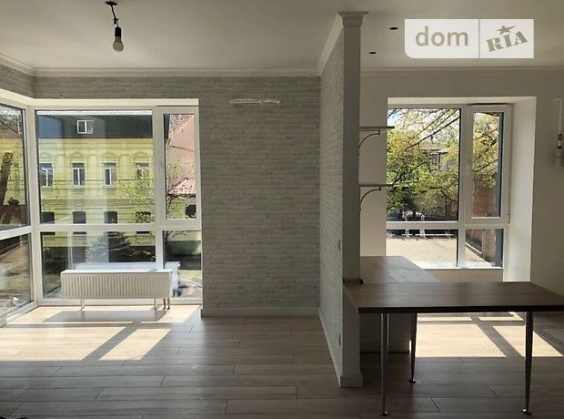Продаж трикімнатної квартири в Дніпропетровську на вул. Свєтлова район Чечелівський фото 1