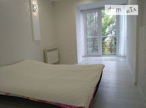 Продажа трехкомнатной квартиры в Днепропетровске, на просп. Героев 33, район Победа фото 1