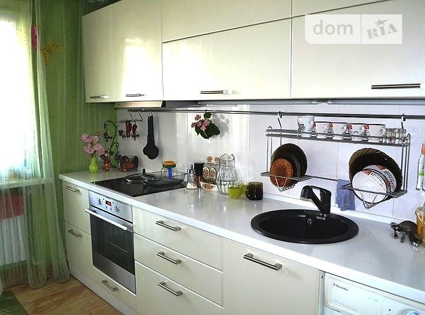 Продажа трехкомнатной квартиры в Донецке на  фото 1