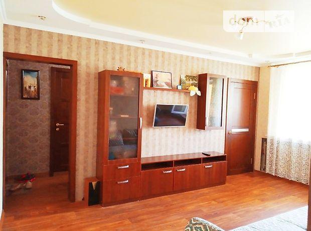 Продажа трехкомнатной квартиры в Харькове, на Квартальная улица район Песочин фото 1