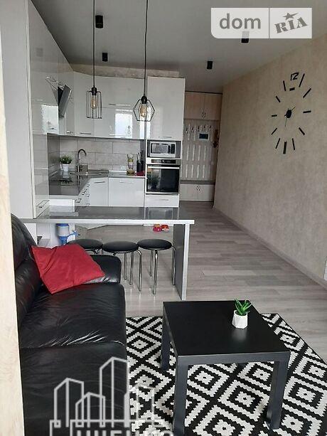 Продажа трехкомнатной квартиры в Хмельницком, на ул. Зализняка Максима район Озёрный фото 1