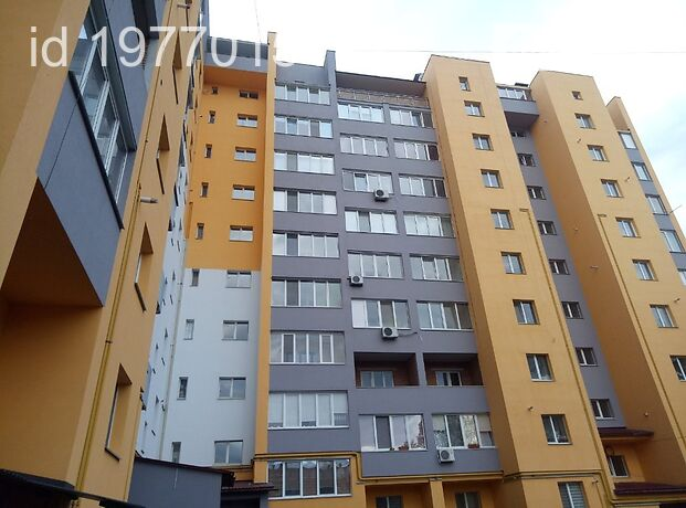 Продажа трехкомнатной квартиры в Хмельницком, на ул. Трудовая 17 район Загот Зерно фото 1