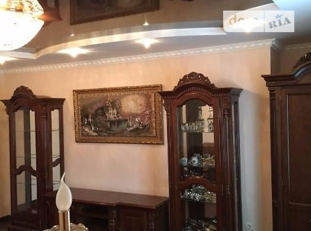 Продажа квартиры, 3 ком., Ивано-Франковск, р‑н.Центр, Коновальца Евгения улица