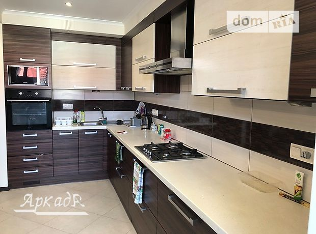 Продажа трехкомнатной квартиры в Ивано-Франковске, на ул. Шевченко район Центр фото 1