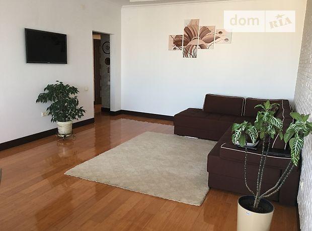 Продажа трехкомнатной квартиры в Ивано-Франковске на  район Центр, фото 1