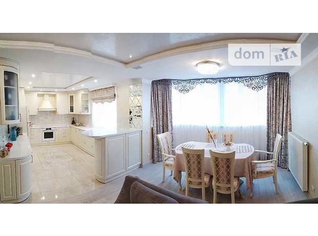 Продаж чотирикімнатної квартири в Житомирі на майд. Перемоги район Центр фото 1