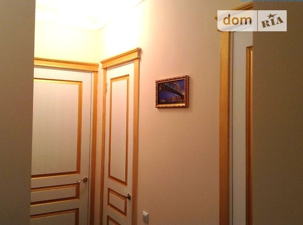 Продажа квартиры, 2 ком., Киев, р‑н.Соломенский, ст.м.Вокзальная, Воздухофлотский проспект, дом 20