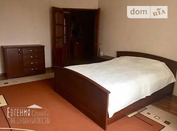 Продажа трехкомнатной квартиры в Краматорске, на Марата, 3 фото 1
