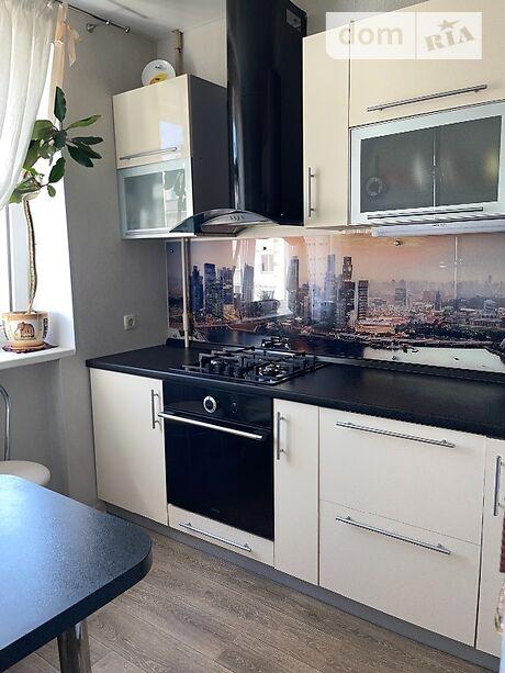 Продажа трехкомнатной квартиры в Кременчуге, на Набережная Большая 29 район Кременчуг фото 1