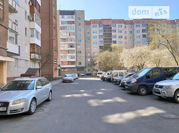 Продажа трехкомнатной квартиры в Луцке, на просп. Соборности район 40-б фото 1