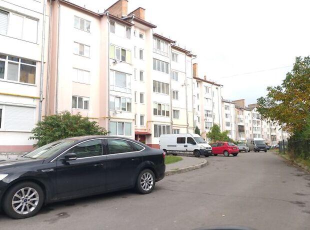 Продажа трехкомнатной квартиры в Луцке, на ул. Черновола Вячеслава район 55 микрорайон фото 1