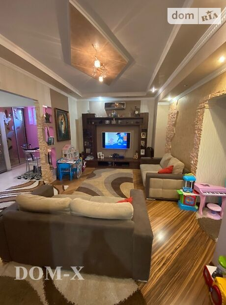 Продажа трехкомнатной квартиры в Мукачеве, фото 1