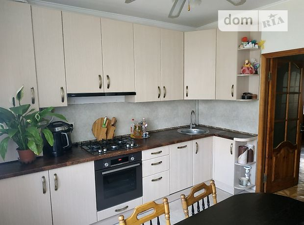 Продажа четырехкомнатной квартиры в Радомышле, на М. Житомирська 140а, район Радомышль фото 1