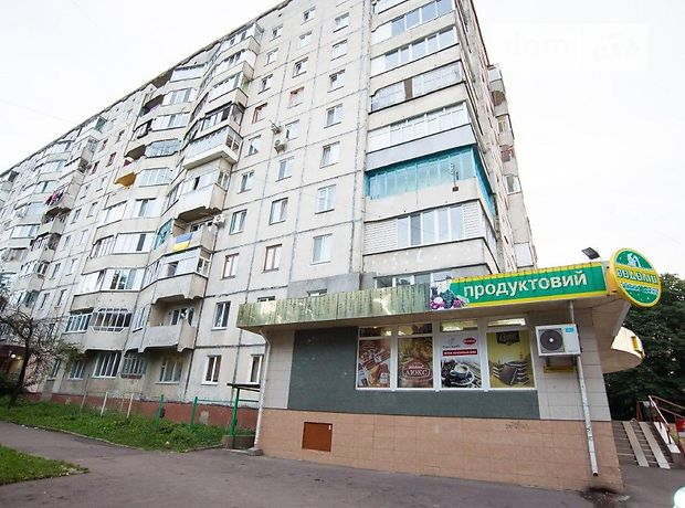 Продажа трехкомнатной квартиры в Ровно, на ул. Грушевского Академика район 12-школа фото 1