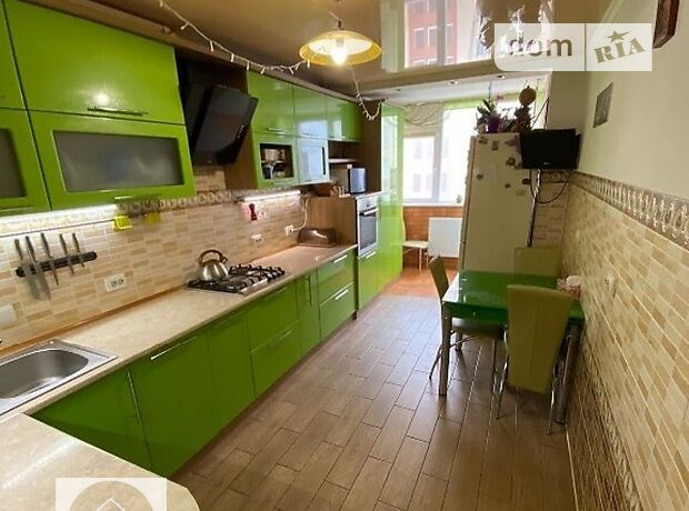 Продаж трикімнатної квартири в Тернополі на вул. Тролейбусна 9 б район Дружба фото 1