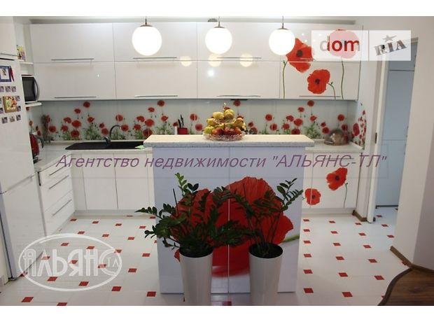 Продаж квартири, 3 кім., Ужгород, Богомольца улица
