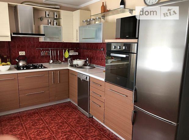 Продажа трехкомнатной квартиры в Ужгороде, на ул. Грушевского 76, район Пьяный базар фото 1
