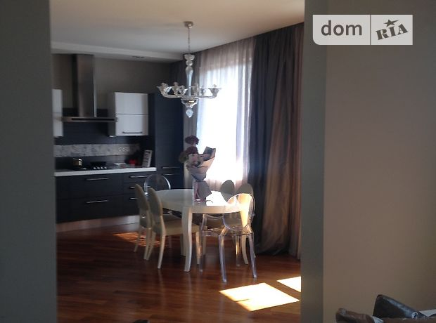 Продажа трехкомнатной квартиры в Ужгороде, на ПлЖупанатская район Центр фото 1