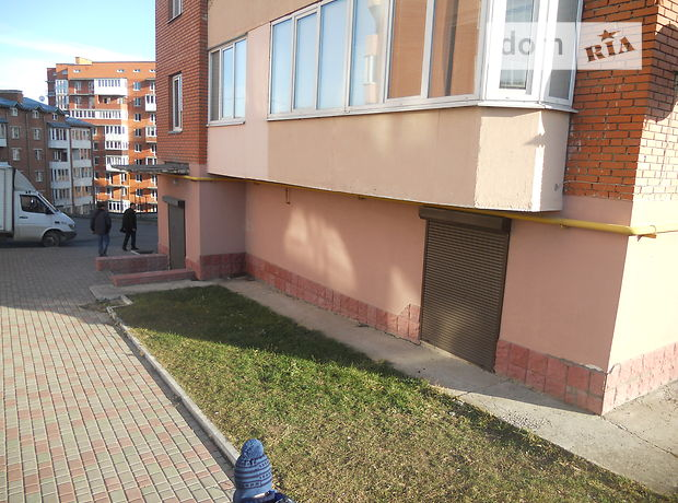 Офисное помещение на 128 кв.м. в нежилом помещении в жилом доме в Тернополе фото 1