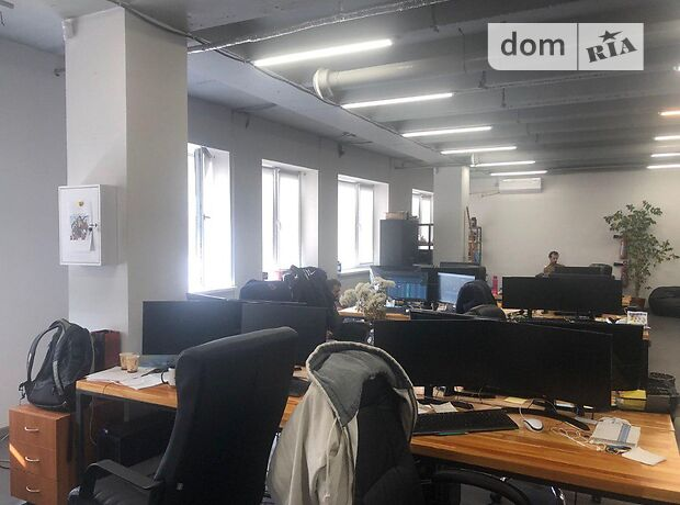 Офисное помещение на 105 кв.м. в торгово-офисном центре в Днепропетровске фото 1