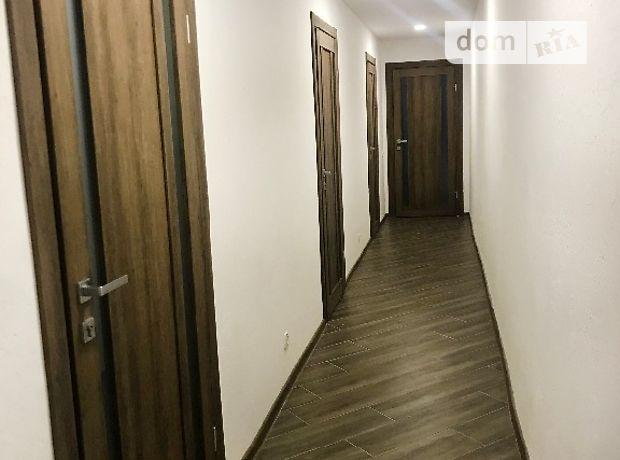 Офисное помещение на 85 кв.м. в административном здании в Ровно фото 1