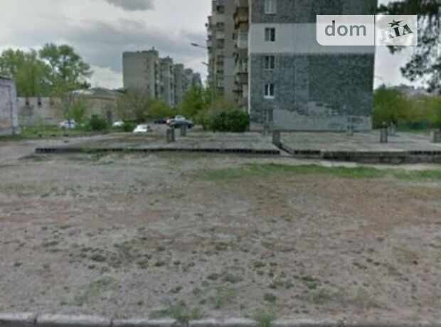 Офисное трехэтажное здание в Киеве площадью 940 кв.м. фото 1