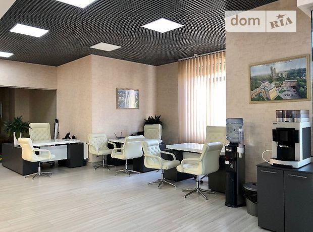 Офисное помещение на 180.7 кв.м. в нежилом помещении в жилом доме в Киеве фото 1