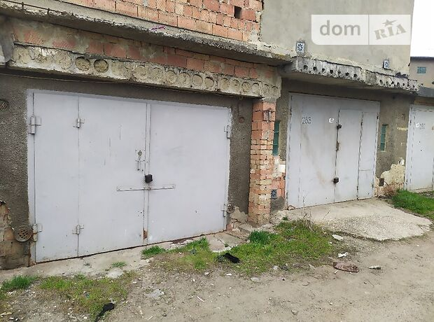 Отдельно стоящий гараж под легковое авто в Черновцах, площадь 24 кв.м. фото 1