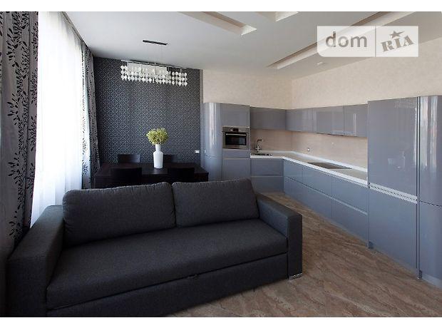 трехкомнатная квартира в Одессе, район Аркадия, на ул. Литературная в аренду на долгий срок помесячно фото 1
