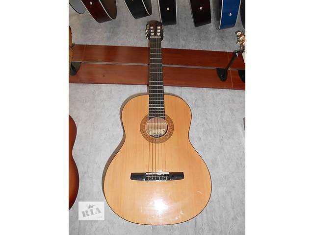 продам ( 0247 ) Отличная электроакустическая классическая гитара Hohner HC03E бу в Черкассах