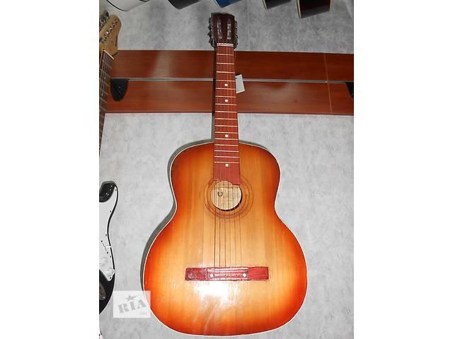 ( 0266 )Восхитительная гитара Черниговской музыкальной фабрики и её видео обзор!- объявление о продаже  в Чернигове