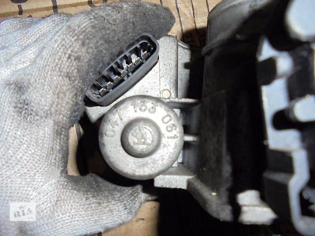 продам 047133061 Б/у дросельная заслонка/датчик для легкового авто Skoda  1998 бу в Львове