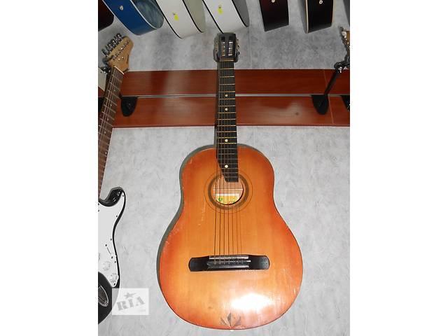 бу ( 1438 ) Отличная семиструнная гитара 3/4 Черниговской музыкальной фабрики в Чернигове
