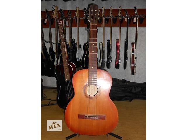продам ( 1573 ) Гитара с Идеальным насыщенным звуком бу в Чернигове