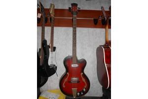 б/в Бас гитары