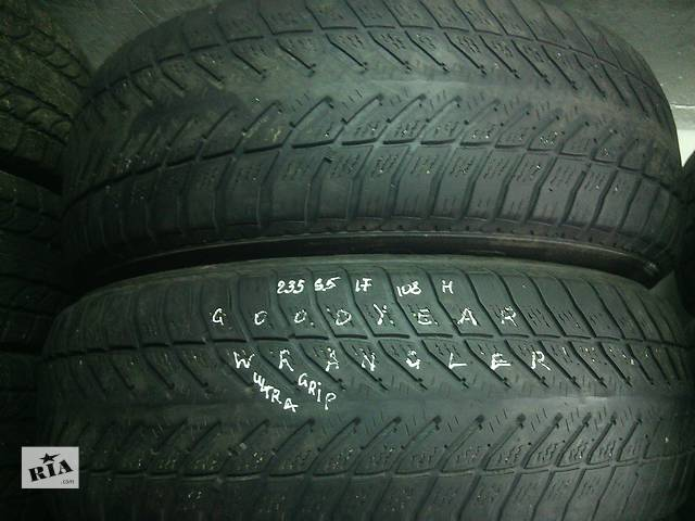 бу 235/65/17 Goodyear Wrandker Ultra Grip Пара зимних шин б/у  в Киеве