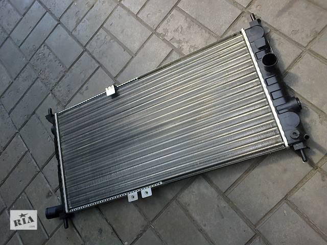 купить бу 635-318-28 Радиатор Опель Кадет на двигатель 1. 4 1. 6D 1.8 2.0 в Днепре (Днепропетровск)