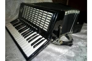 б/у Клавишные инструменты Weltmeister