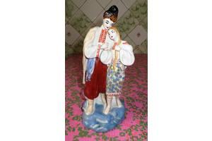 Антикварні порцелянові статуетки