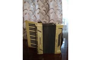 Старинные аккордеоны