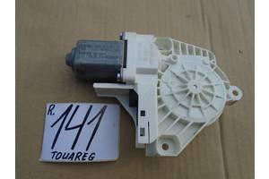б/у Моторчик стеклоподьемника Audi Q3