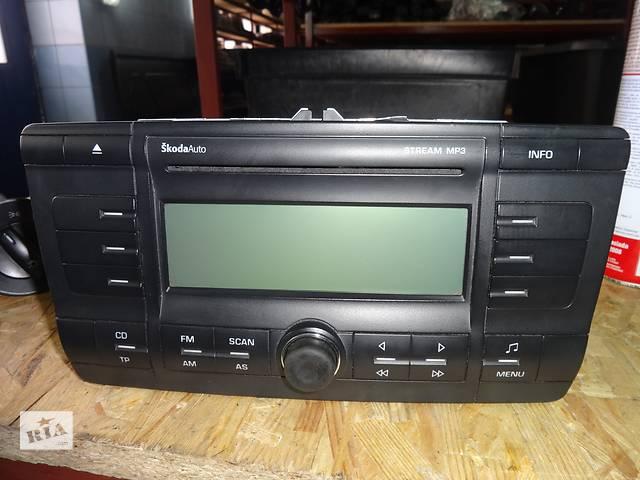 продам автомагнитола для Skoda Octavia A5 2004-08 1Z0035161C бу в Львове