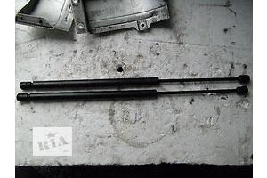 б/у Амортизаторы багажника Opel Zafira