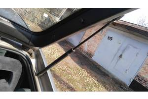 б/у Амортизаторы багажника Opel Vectra A