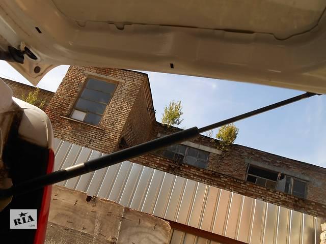 купить бу Б/у амортизатор багажника, ляды Mercedes Vito (Viano) Мерседес Вито (Виано) V639 (109, 111, 115, 120) в Ровно
