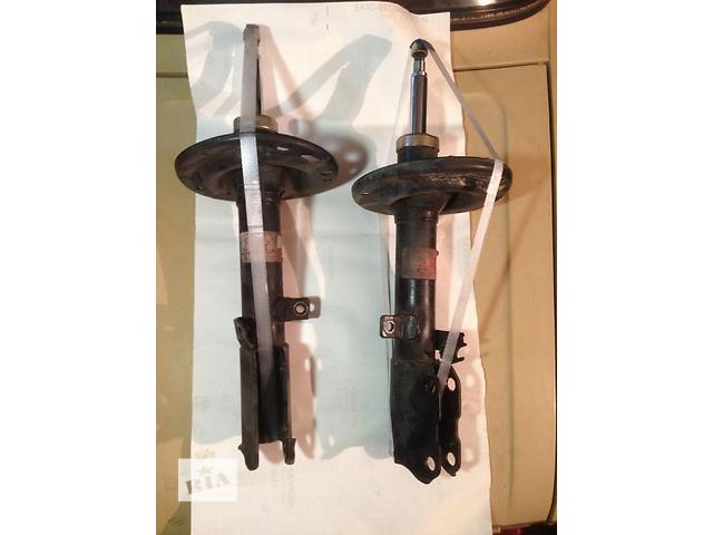 продам Б/у амортизатор задний/передний для седана Toyota Camry 2005 бу в Чернигове