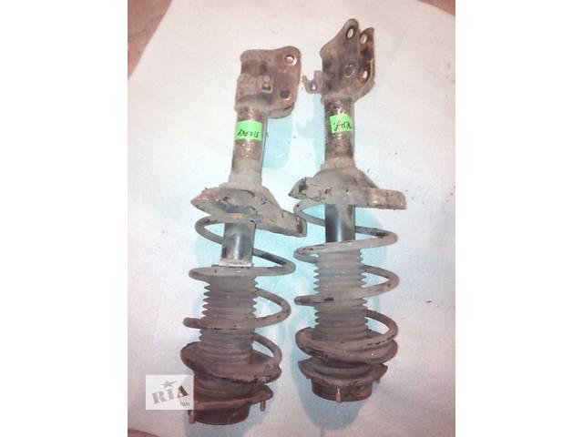 продам Б/у амортизаторы передние для кроссовера Subaru Forester бу в Днепре (Днепропетровск)