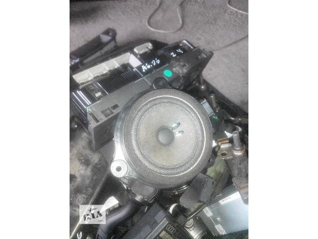 купить бу Б/у антенна/усилитель для седана Audi A6 2006 в Львове